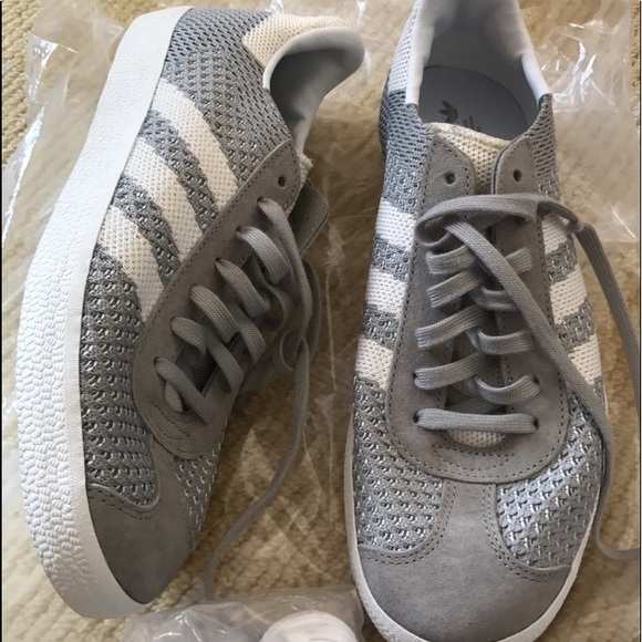 le adidas gazzella grigia 65 7 75 nuovi poshmark